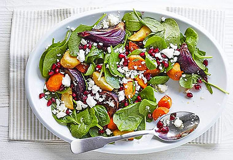 Salata marocana de rodie si legume la cuptor
